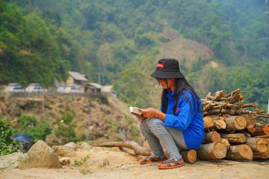 Khát vọng thay đổi cuộc đời và lòng hiếu học của những đứa trẻ vùng cao nơi địa đầu Tổ quốc - Ảnh 5.