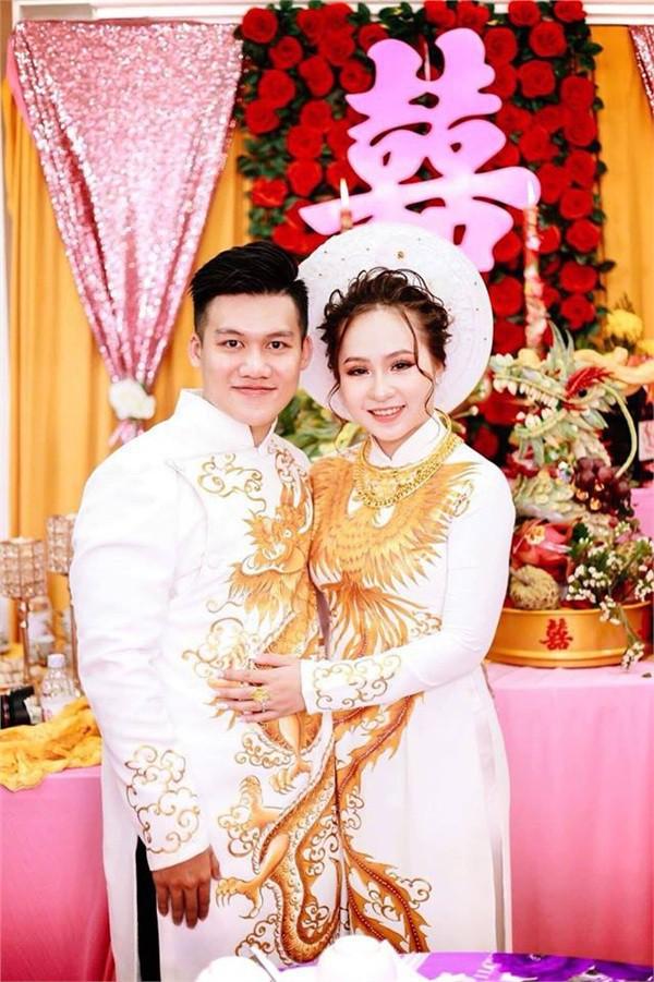 Dân mạng lại kinh ngạc với đám hỏi siêu khủng ở Kiên Giang: Cô dâu 19 tuổi, sính lễ hơn 888 triệu, 14 cây vàng - Ảnh 5.