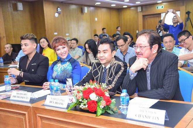 Phi Thanh Vân tự tin khoe vóc dáng tại sự kiện sau khi bị chê sồ sề, phát tướng - Ảnh 6.