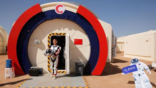 Trạm sao Hỏa 1400 tỷ của Trung Quốc tại sa mạc Gobi chính thức mở cửa để người dân vào chơi - Ảnh 3.