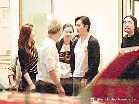 Giữa loạt scandal ngoại tình của giới giải trí vẫn có cặp vợ chồng nắm chặt tay nhau suốt 13 năm: Mông Gia Tuệ và Trịnh Y Kiện - Ảnh 15.