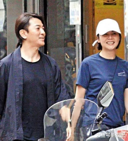 Giữa loạt scandal ngoại tình của giới giải trí vẫn có cặp vợ chồng nắm chặt tay nhau suốt 13 năm: Mông Gia Tuệ và Trịnh Y Kiện - Ảnh 18.