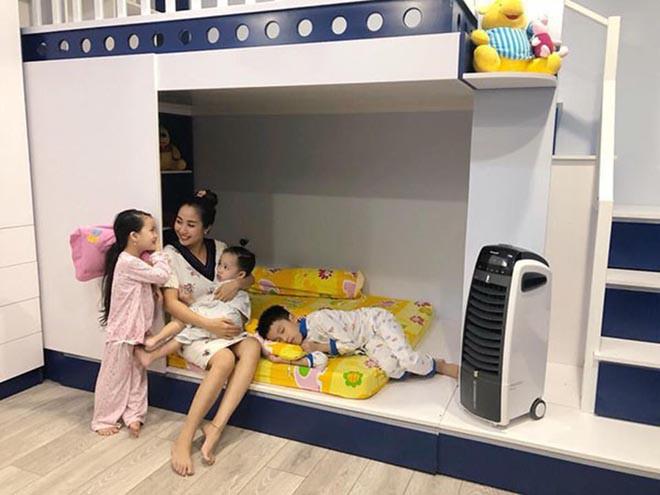Cuộc sống giàu sang của Ốc Thanh Vân với người chồng kém sắc, từng là học sinh cá biệt - Ảnh 6.