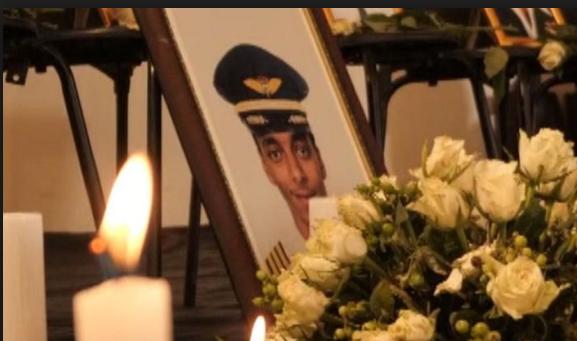 Tiết lộ câu nói cuối cùng ám ảnh của cơ trưởng ngay trước khi máy bay Ethiopia rơi - Ảnh 1.