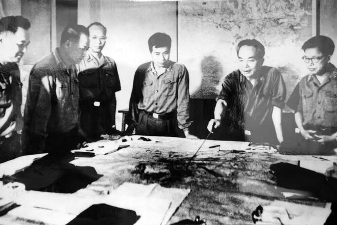 Lính xe tăng lái mò cả đêm để đúng giờ xuất kích: Trận mở màn cho Hành trình đến Dinh Độc Lập - Ảnh 1.