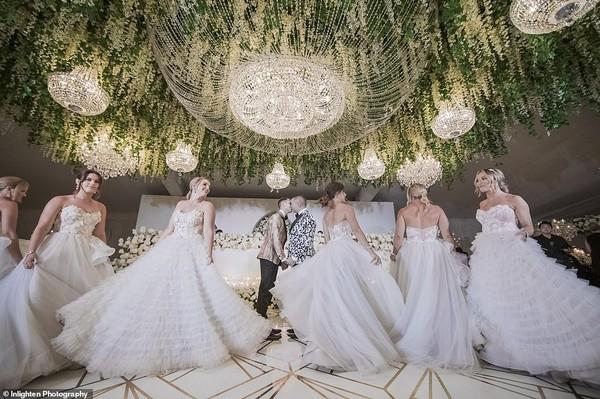 Choáng với siêu đám cưới 23 tỷ toàn kim cương và pha lê của cặp đồng tính nam - Ảnh 1.
