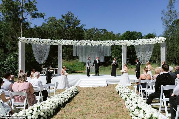 Choáng với siêu đám cưới 23 tỷ toàn kim cương và pha lê của cặp đồng tính nam - Ảnh 9.