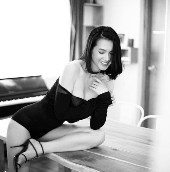 Cựu siêu mẫu Anh Thư nghiện khoe hình gợi cảm sau khi ly hôn - Ảnh 7.