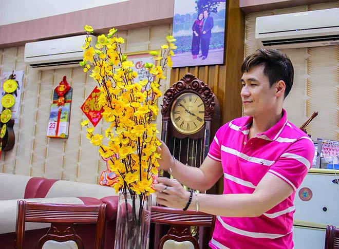 Cuộc sống trong căn nhà hơn 200 tỷ của nam ca sĩ khiến Quỳnh Nga âm thầm yêu suốt 2 năm - Ảnh 8.