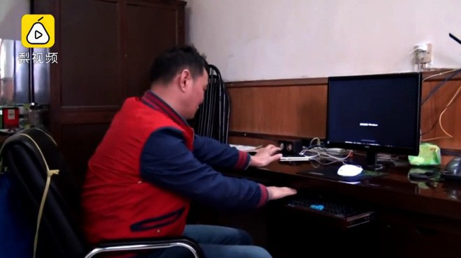 Ông chú 53 tuổi chiến thắng bệnh tiểu đường, bơi 2,2 km vượt sông Dương Tử đi làm mỗi ngày trong 11 năm - Ảnh 6.