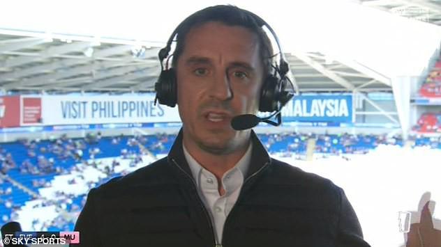 Giận dữ với thất bại, Gary Neville hết mắng chửi lại đòi xử trảm cầu thủ Man United - Ảnh 1.
