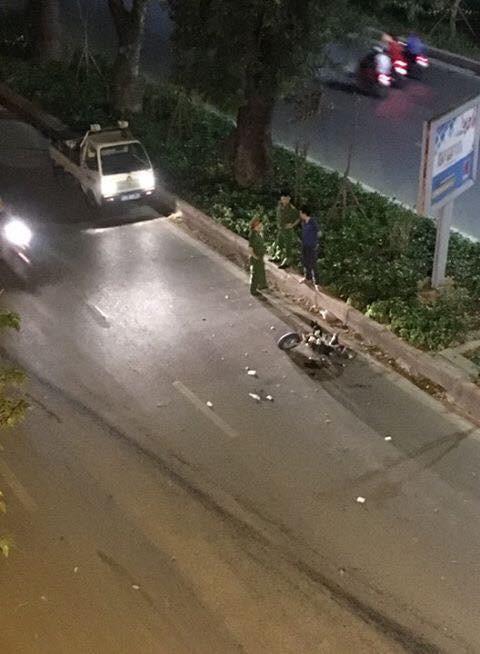 Hiện trường những vụ tai nạn kinh hoàng xảy ra đêm qua ở Hà Nội - hình ảnh liên tục được chia sẻ - Ảnh 7.