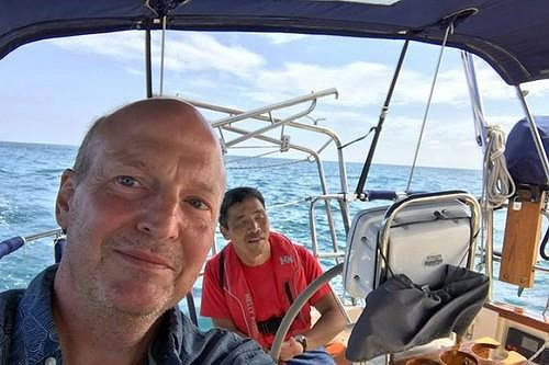 Thủy thủ mù gần 2 tháng ròng lênh đênh trên Thái Bình Dương - Ảnh 2.