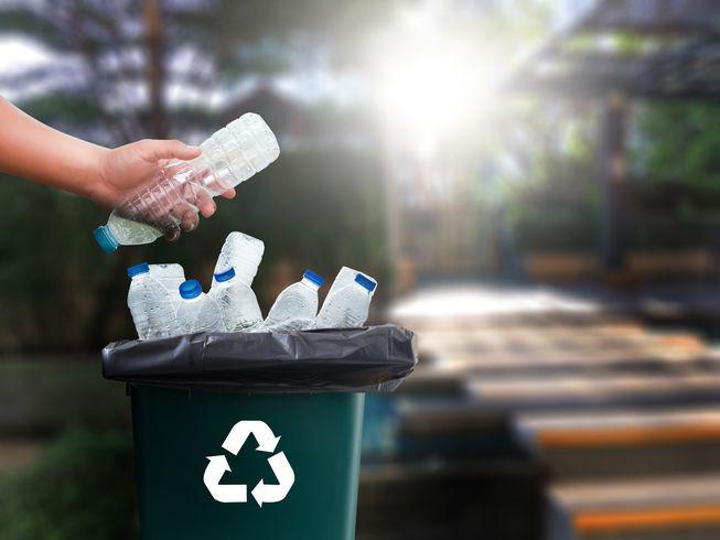 Video hé lộ sự thật về tái chế rác nhựa: Thì ra việc vứt rác đúng chỗ thôi là chưa đủ - Ảnh 1.