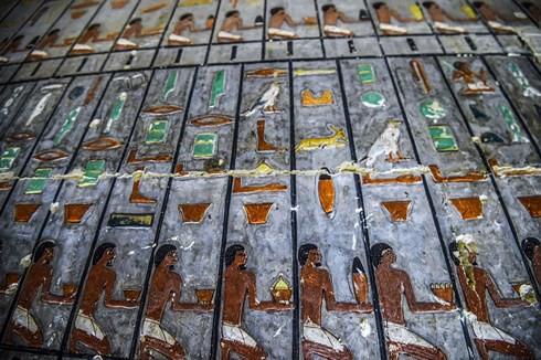 Bên trong ngôi mộ cổ nghìn năm tuổi ở Ai Cập màu vẫn nguyên... như mới - Ảnh 1.
