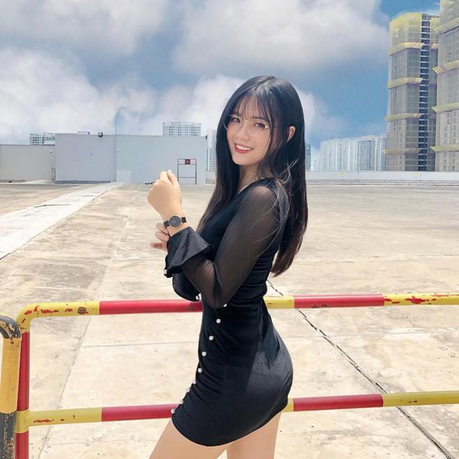 Khi con gái Việt lên báo Trung: Người được khen body cực phẩm, người khiến dân mạng nhìn thôi đã muốn yêu - Ảnh 3.
