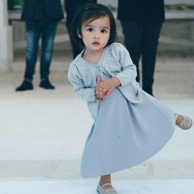 Con gái đầu lòng của mỹ nhân đẹp nhất Philippines càng lớn càng xinh đẹp, mới hơn 3 tuổi đã được dự đoán là Hoa hậu tương lai - Ảnh 3.