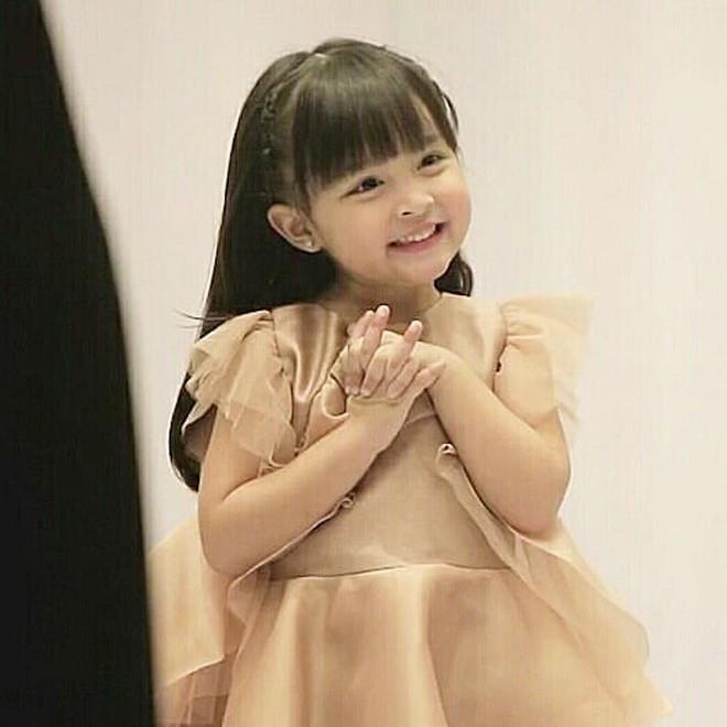 Con gái đầu lòng của mỹ nhân đẹp nhất Philippines càng lớn càng xinh đẹp, mới hơn 3 tuổi đã được dự đoán là Hoa hậu tương lai - Ảnh 9.