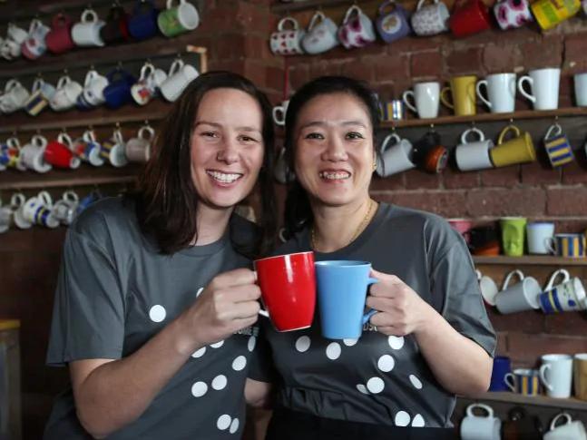 Úc: Quán cà phê ưu tiên nữ giới, bắt đàn ông phải trả thêm tiền cuối cùng đã sập tiệm - Ảnh 4.