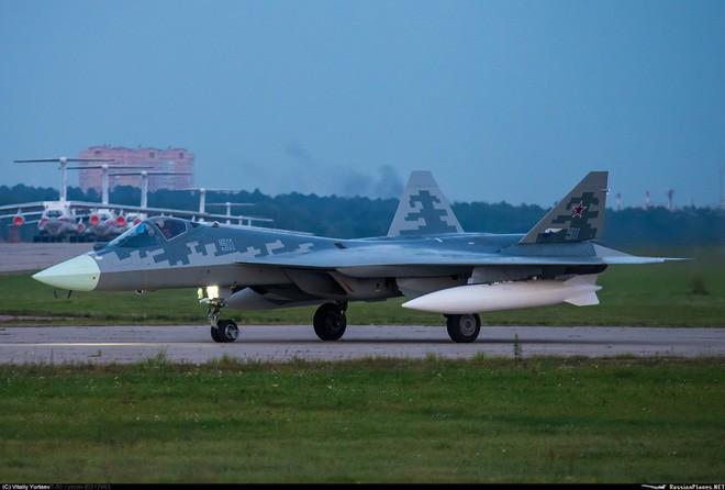 Thiếu mảnh ghép đặc biệt này, tiêm kích Su-57 Nga chỉ siêu hơn Su-27 một chút mà thôi? - Ảnh 1.