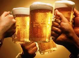 Những loại đồ uống nên dùng và không nên dùng trong ngày nắng nóng - Ảnh 2.