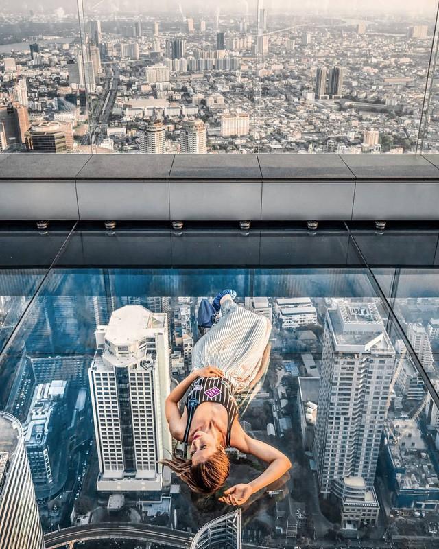 Dân tình hốt hoảng với sàn kính cao ở độ cao trên 300m ngắm trọn cảnh thủ đô Bangkok - Ảnh 8.
