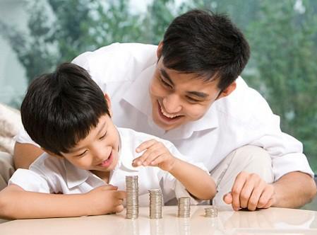 Bài học làm người bác sĩ BV Việt Đức gửi con trai: Cha mẹ chỉ để lại cho con kiến thức, trí tuệ và lòng yêu thương. Con hãy tự tu dưỡng để trở thành người tử tế, đừng để xã hội phải dạy con - Ảnh 2.