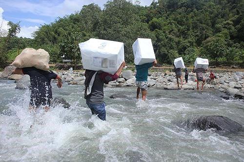 Tới 272 nhân viên bầu cử chết vì kiệt sức ở Indonesia - Ảnh 1.