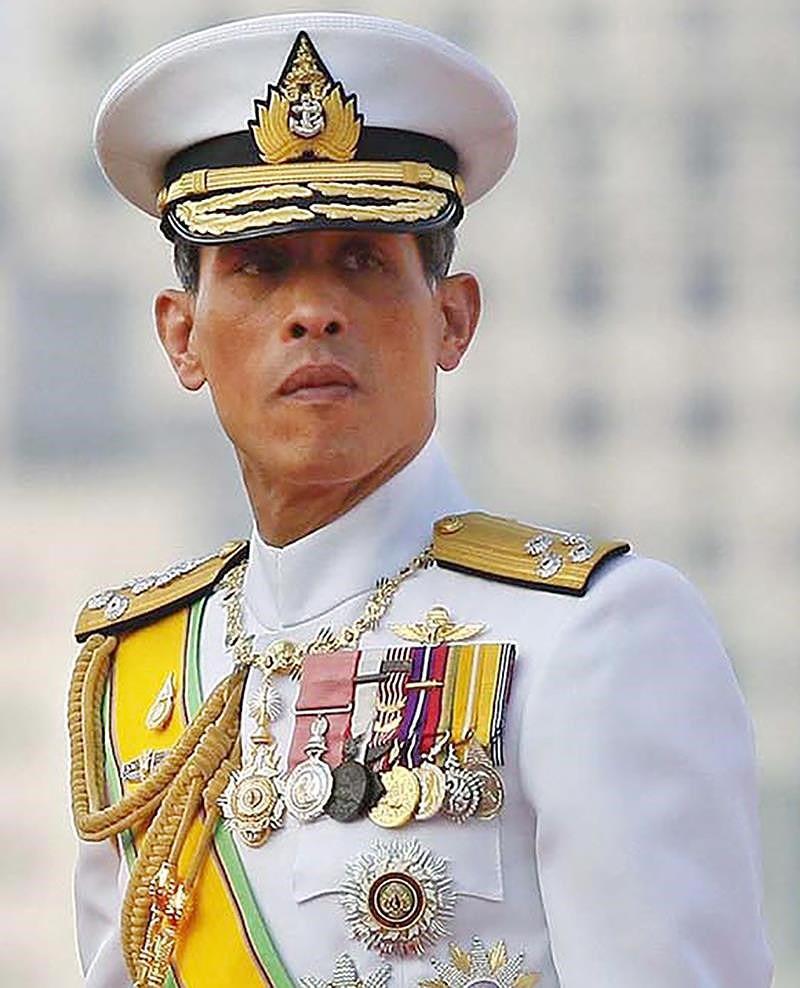 картинка короля таиланда давно