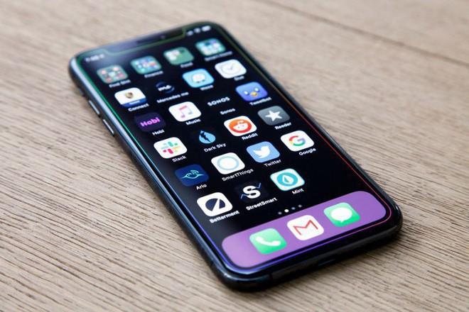iPhone 11: Chỉ một chi tiết rất nhỏ nhưng đủ chứng tỏ điểm mới đáng khen về thiết kế - Ảnh 1.