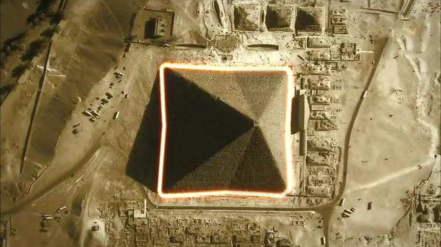 Đặc điểm nhiều người lầm tưởng nhất về Kim tự tháp Giza: Chỉ có 4 mặt? - Ảnh 1.