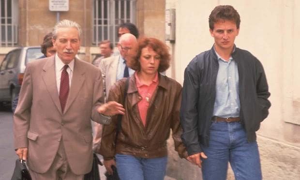 Vụ án chấn động nước Pháp 3 thập kỷ chưa có hồi kết: Cậu bé 4 tuổi bị sát hại tàn nhẫn mở màn chuỗi bi kịch cả gia đình bị bắt vẫn không tìm được hung thủ - Ảnh 3.