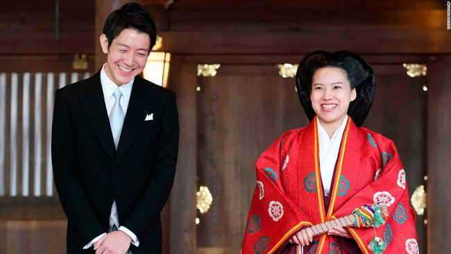 Từng có đến 6 nữ hoàng trị vì trong lịch sử, vì sao phụ nữ hoàng gia Nhật ngày nay không được phép kế vị, chịu áp lực hà khắc nơi cấm cung? - Ảnh 4.