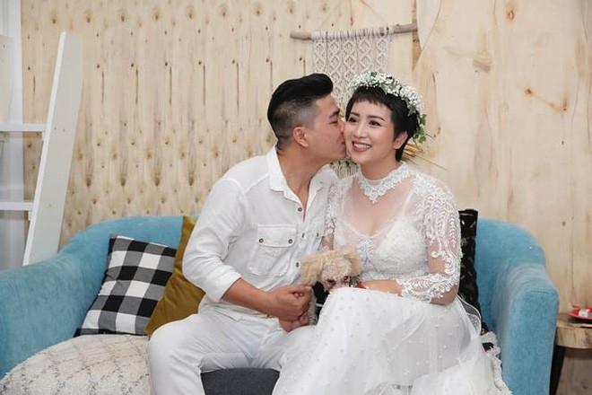 Phản ứng của Tú Dưa khi vợ đầu lấy chồng mới sau 13 năm chia tay - Ảnh 2.