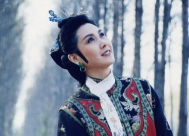 Vòng tình duyên luẩn quẩn của mỹ nhân phim Bao Thanh Thiên: Vì thù hận mà kết hôn chớp nhoáng, nhận quả đắng đến cuối cuộc đời - Ảnh 1.