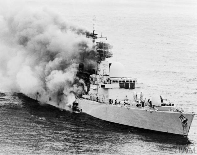 Nhìn lại cuộc chiến Falkland 37 năm trước - Ảnh 6.