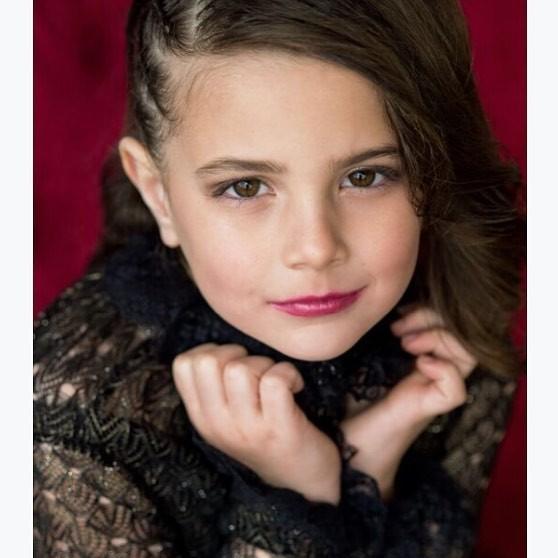 Cận cảnh nhan sắc của diễn viên nhí thủ vai con gái Iron Man trong Avengers: Endgame: Mỹ nhân tương lai là đây! - Ảnh 2.