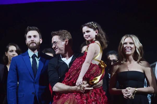 Cận cảnh nhan sắc của diễn viên nhí thủ vai con gái Iron Man trong Avengers: Endgame: Mỹ nhân tương lai là đây! - Ảnh 14.