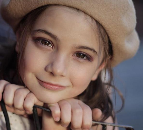 Cận cảnh nhan sắc của diễn viên nhí thủ vai con gái Iron Man trong Avengers: Endgame: Mỹ nhân tương lai là đây! - Ảnh 7.