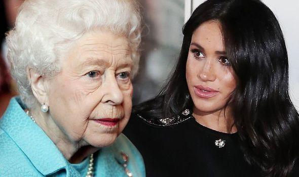 Tuyên bố mới gây sốc: Nữ hoàng Anh cấm Meghan sử dụng đồ trang sức của Công nương Diana quá cố nhưng Kate thì được phép vì lý do bất ngờ này - Ảnh 1.