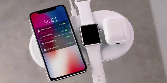 Không AirPower cũng chẳng sao vì đã có đế sạc không dây xếp hình: Sạc iPhone, Apple Watch, Airpods cùng lúc, giá chưa tới 1.4 triệu! - Ảnh 1.