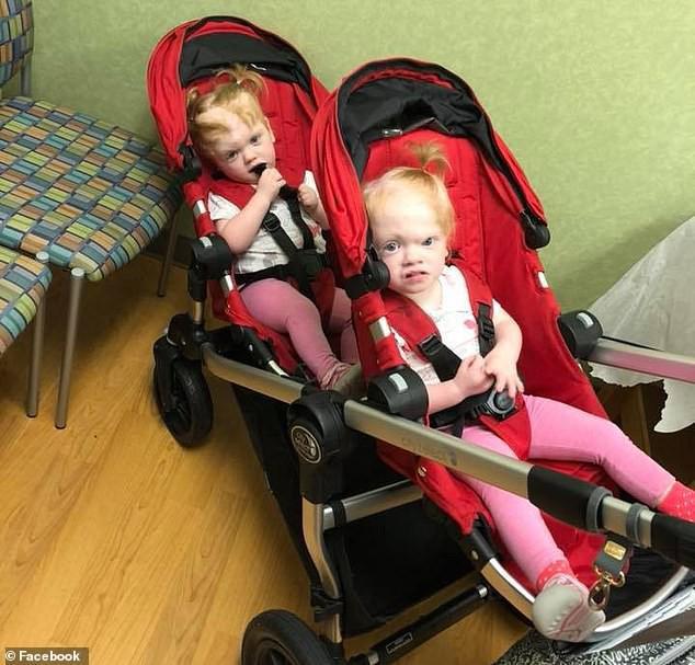 Bất ngờ với cuộc sống hiện tại của cặp song sinh dính liền đầu sau ca phẫu thuật tách rời cách đây 2 năm - Ảnh 3.