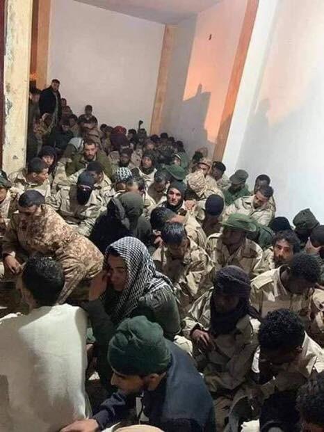 Lò lửa Libya chính thức bùng nổ - Chiến tranh lan rộng khắp, LHQ sơ tán khẩn cấp - Ảnh 11.