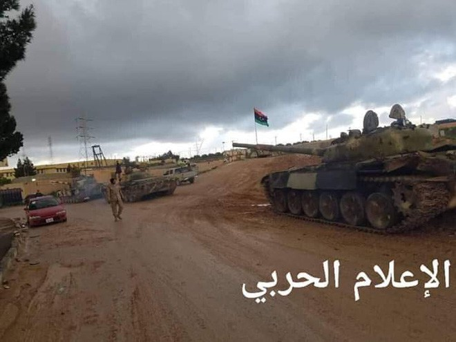 Thủ đô Libya nguy ngập, Mỹ khẩn cấp rút lui - Thương vong lớn, Liên hợp quốc ra yêu cầu đặc biệt - Ảnh 8.
