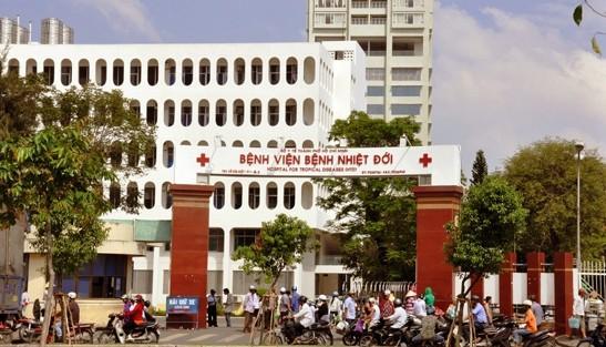 Kẻ tấn công 10 người dân phải điều trị phơi nhiễm HIV khai gây ra 6 vụ tương tự - Ảnh 1.