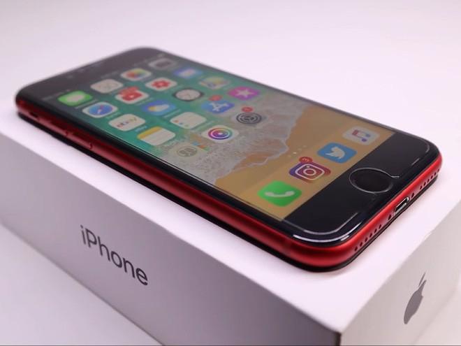 YouTuber mua iPhone 8 đã hỏng với giá 200 USD, sửa xong đẹp không khác gì hàng mới 750 USD - Ảnh 7.