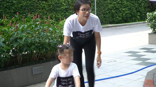 Cư dân chung cư nguyên Viện phó VKS sàm sỡ bé gái mặc áo đồng phục phản đối lạm dụng tình dục - Ảnh 2.
