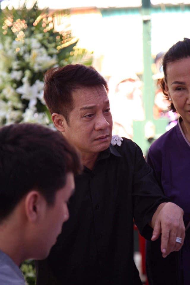 Bố Anh Vũ thất thần, mẹ ngất xỉu vì quá đau đớn, vẫn chưa thể nhìn thấy thi hài con - Ảnh 15.