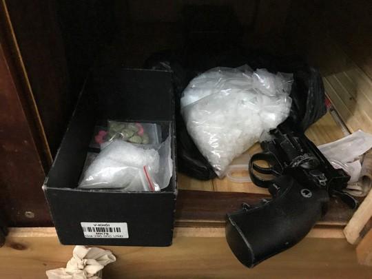 Phá đường dây ma túy, thủ hàng nóng ở quận 12 - Ảnh 1.