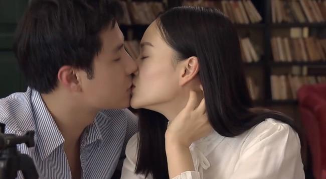 Nàng dâu order tập 1: Chưa có phim truyền hình Việt nào mà mới mở màn, cặp đôi chính đã hở ra là hôn thế này! - Ảnh 2.